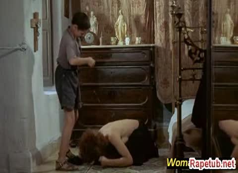 Her daughter spanked him
