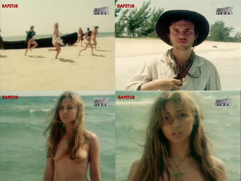 naked-girls-looking-at-naked-guys